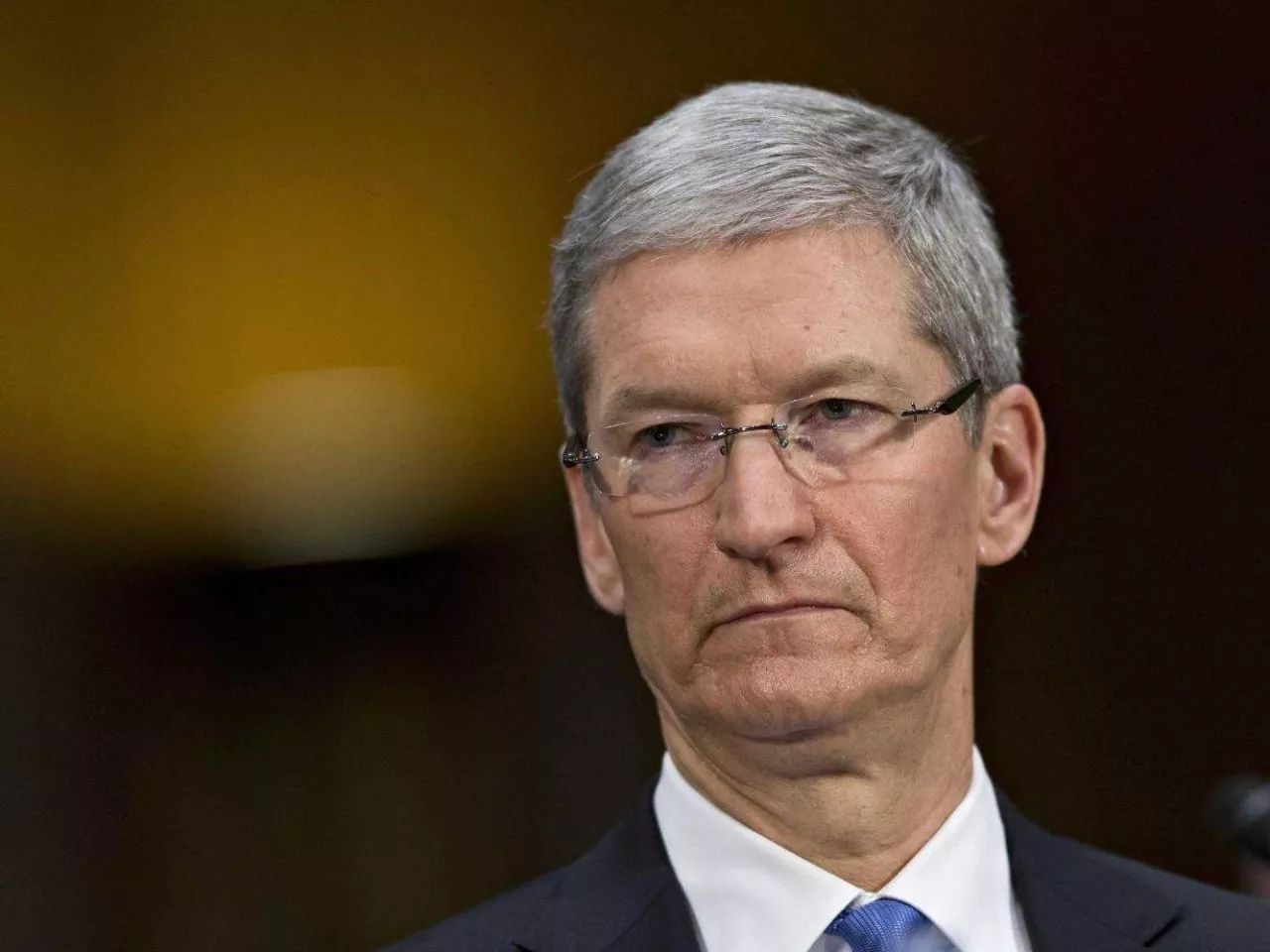 iPhone 8屏幕第五裂,苹果要步三星后尘?雅虎承认所有用户账户信息均落入黑客手中 | 早报
