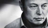 马斯克接受专访自曝艰难处境,特斯拉股价暴跌近9%